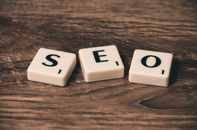 Comprendre l'optimisation des moteurs de recherche / référencement web (SEO) pour les entreprises.